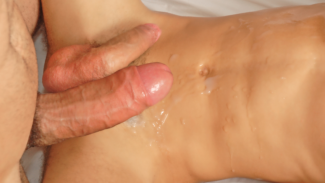 He filled his ass up with hot cum